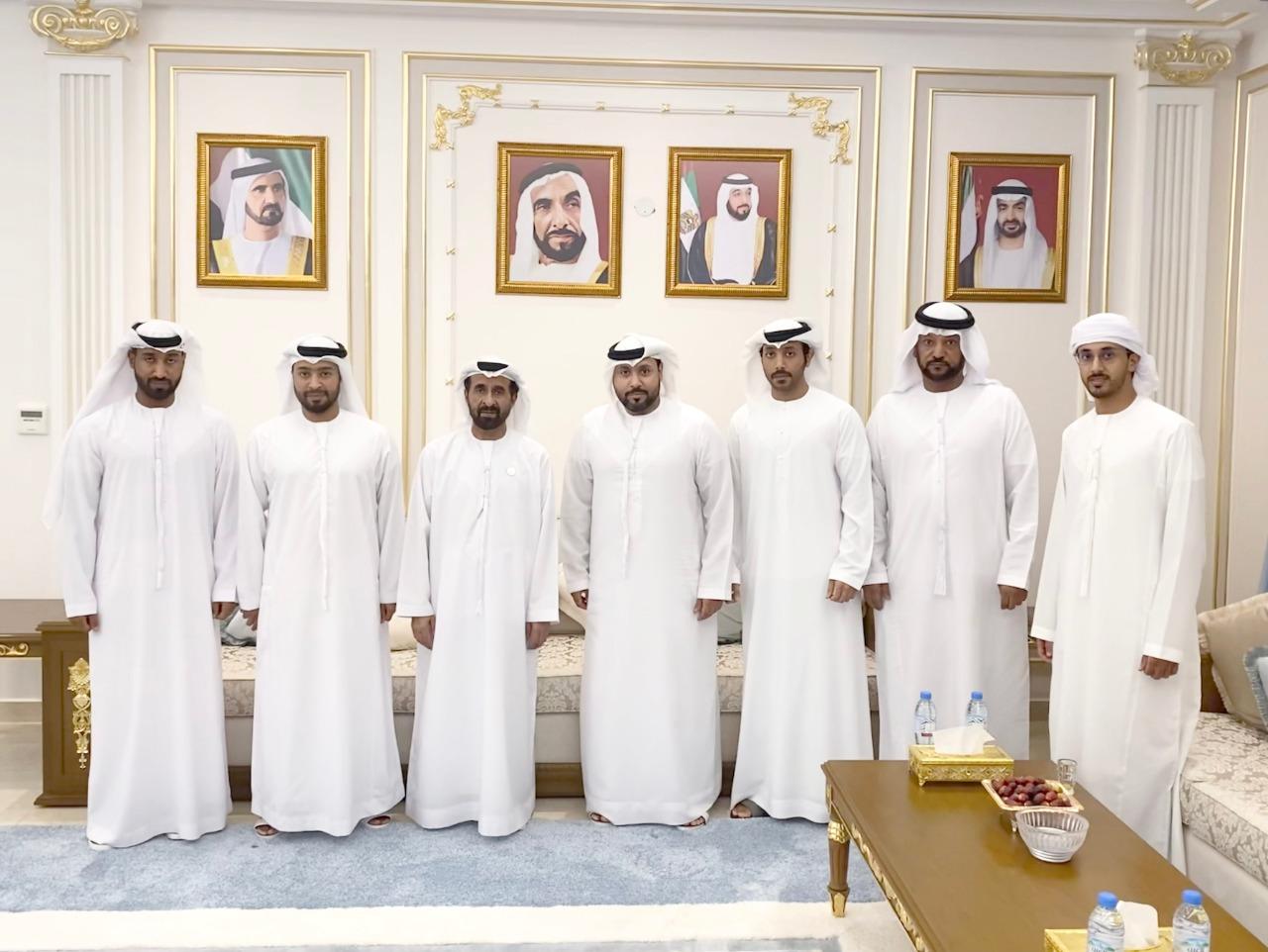 مسلم بن حم يستقبل رائد الفضاء الإماراتي صالح العامري
